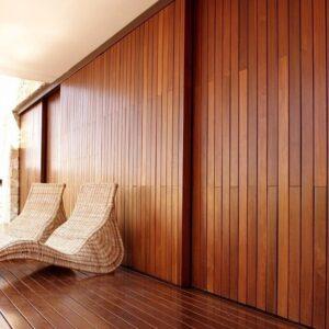 Фасады из натуральной древесины